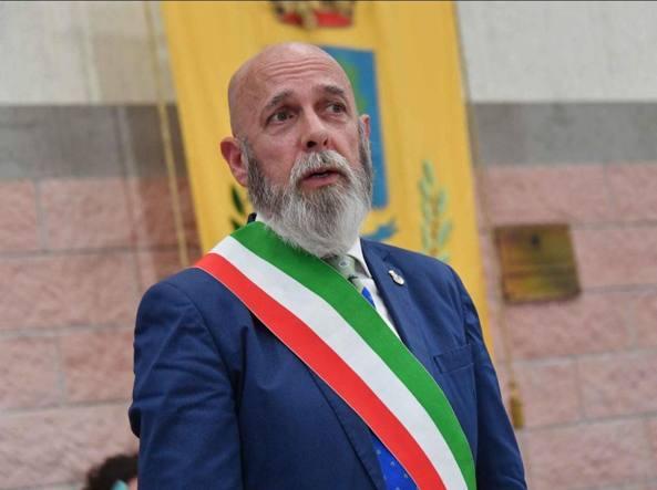 """Sedi della Lega imbrattate, il sindaco di Civitavecchia Tedesco: """"Solidarietà a Giulivi. Il mondo politico condanni tali segnali"""""""