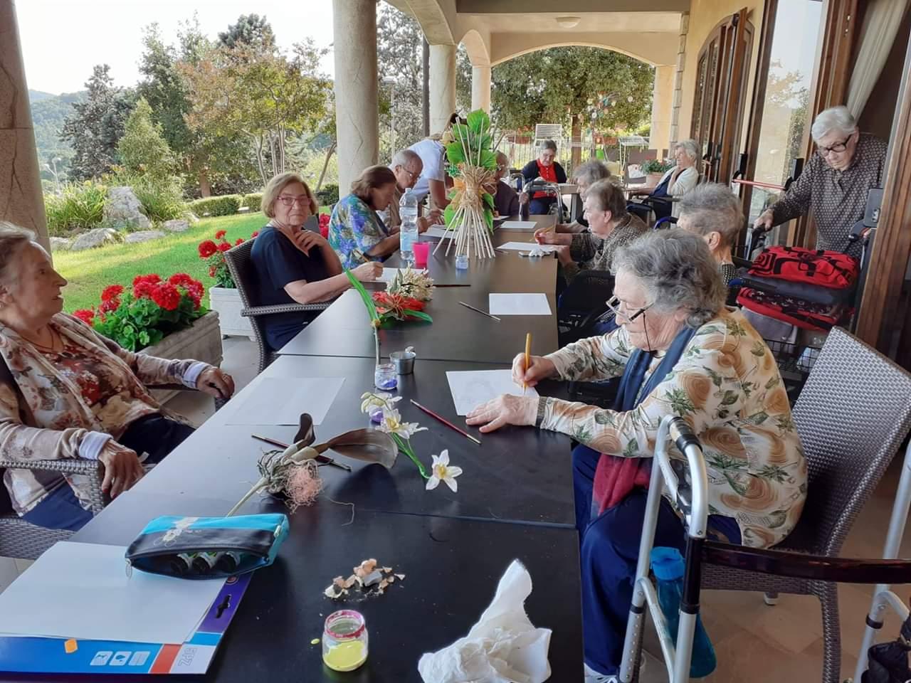 Musica e arte per gli ospiti dell'istituto per anziani