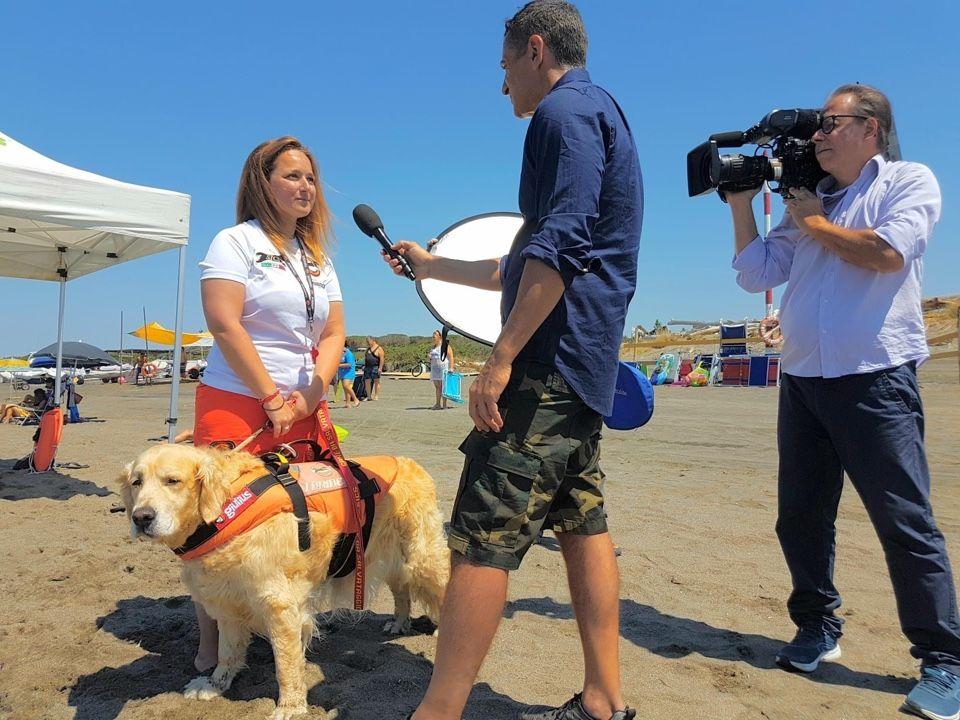 Tarquinia, la storia del bimbo soccorso in mare dai cani Sics approda su Rai 1