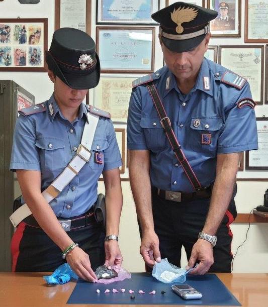 Coca e hashish: 24enne di Allumiere arrestato per spaccio dai carabinieri